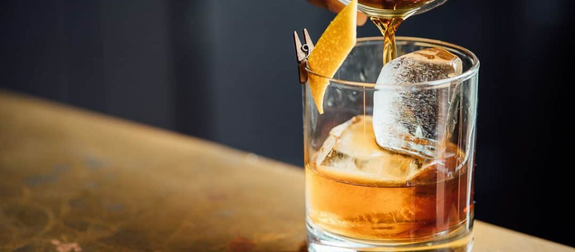 whiskey-glass-pour_1080px